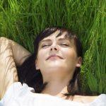 buitenshuis verzekering - relaxen in het gras