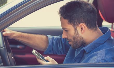 Millennials zijn het slechtst in autorijden