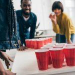 De leukste drankgadgets | Van shotjesriemen tot beer pong luchtbedden